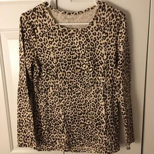 Animal / Leopard print with gold accent tee